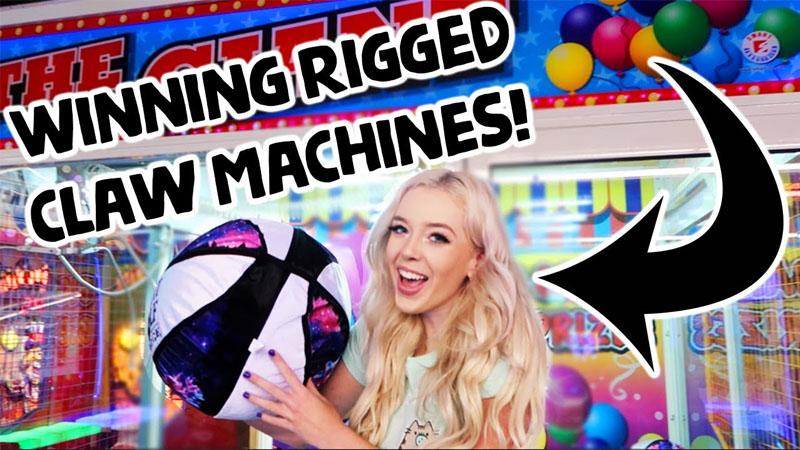 get mini claw machine prize