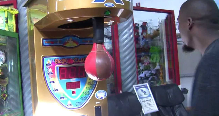 Gameroom Goodies boxing arcade machine