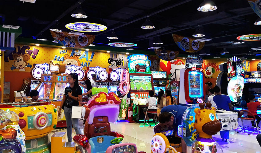 Tom's world amusement arcade 1