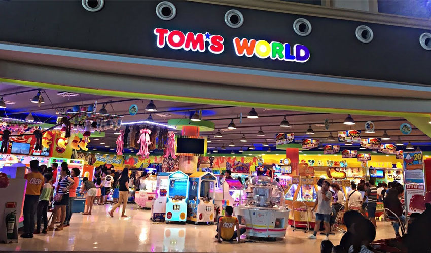 Tom's world amusement arcade